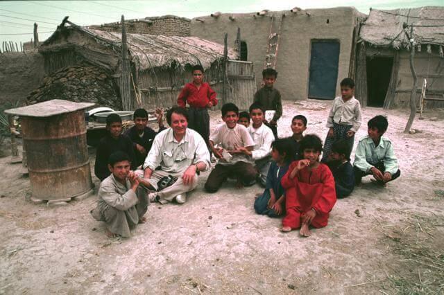 Benjamin avec enfants Iraq