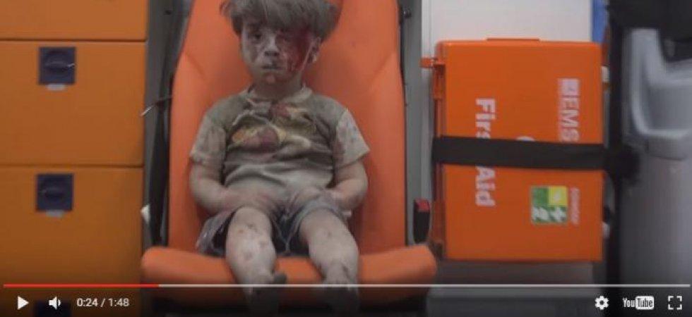 syrie-omran-l-enfant-ensanglante-qui-donne-un-visage-a-alep-bombardee-9193485 (1)