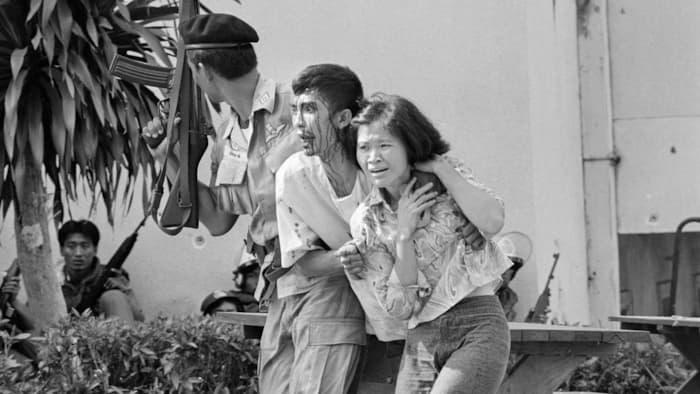 bangkok_massacre-1976-thamasat-3